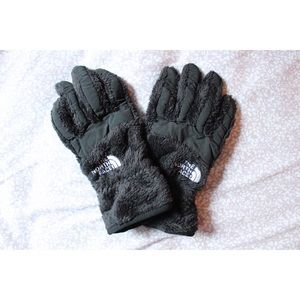 M Women's The North Face Gloves
